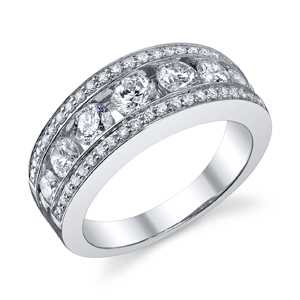 18k White Gold Prong & Channel Set Band t.w. approx 1.30 Ct.